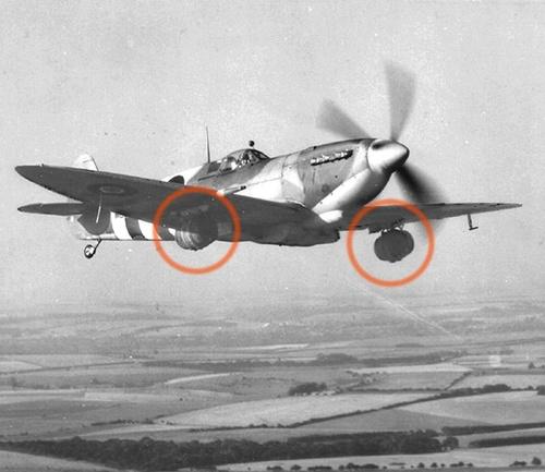 1944 fabbrica birra inglese dona  birra fresca truppe combattono Normandia metodo consegna unico Spitfire.Volare a 12000 piedi raffredda la birra alla perfezione