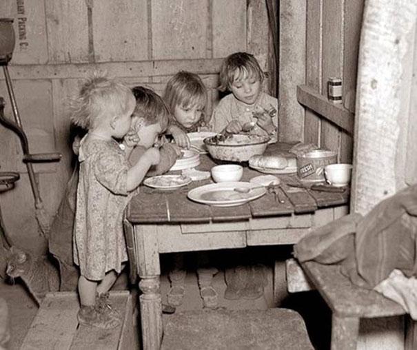 Cena di Natale durante la grande Depressione: rape e cavolo