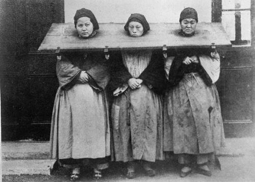 Tre donne colpevoli di stregoneria, 1922, Cina
