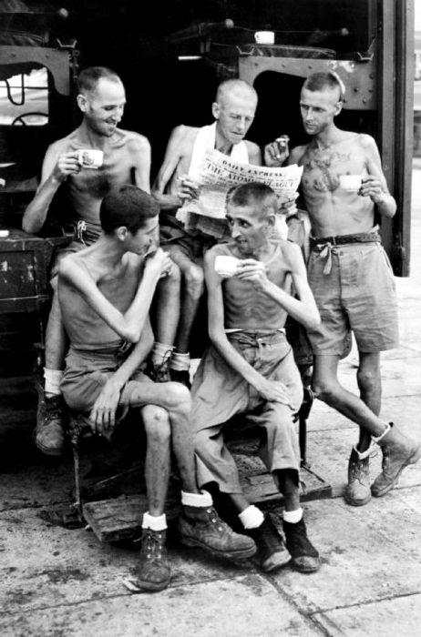 Settembre 1945. Cinque ex prigionieri di guerra australiani