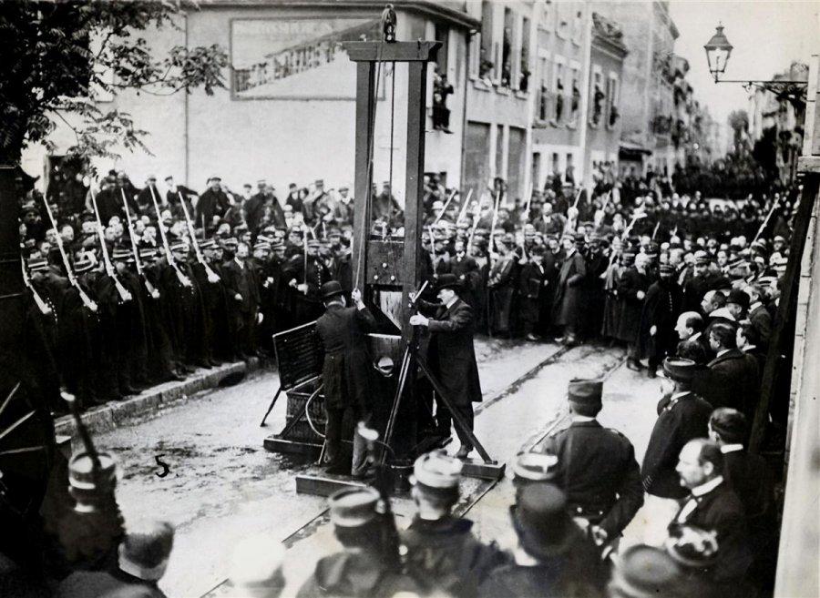 Eugen Weidmann. L'ultima volta che la ghigliottina venne impiegata pubblicamente. (1/2)