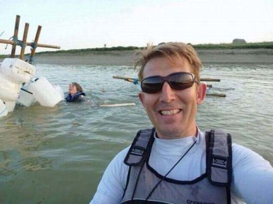 bad-timing-selfies-22