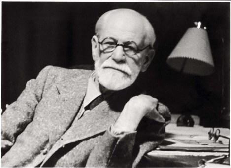 """SIGMUND FREUD fumava quasi continuamente finché un amico medico lo ammonì che fumare tanti sigari avrebbe potuto causargli un'aritmia cardiaca pericolosa. Freud provò a smettere, ma senza successo. La mancanza di sigari gli provocò una grave depressione. Ma il tabacco non era l'unico vizio: apprezzava anche la cocaina, che non esitava a definire """"una sostanza magica""""."""