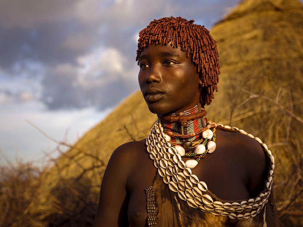 Hongni tribeswoman